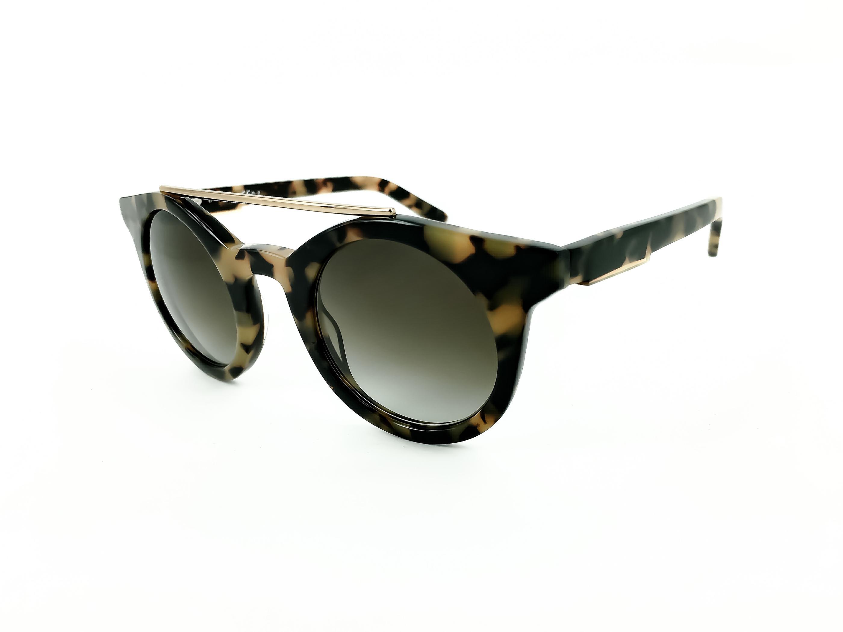 Τα γυαλιά ηλίου OXYDO OX 1094 S P3WIF 45 έχουν κοκάλινο καφέ ταρταρούγα  σκελετό σε στρογγυλό σχήμα σε συνδυασμό με χρυσή μεταλλική γέφυρα. 2250c22843b